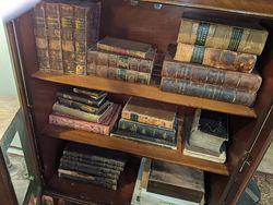 Antique Books Den store photo
