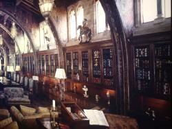 De Coux and Associates Books store photo