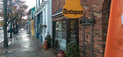 photo of Lola's Antiques & Olde Books