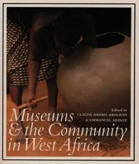 MUSEUMS & COMMUNITY W AFRICA PB
