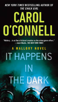 It Happens in the Dark - A Mallory Novel vol. 11