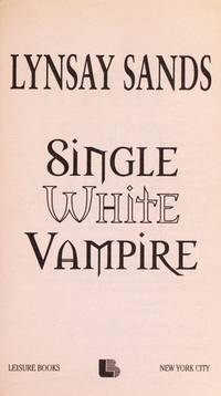 Single White Vampire (Argeneau Vampires, Book 3)