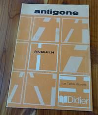 Antigone: La Table Ronde