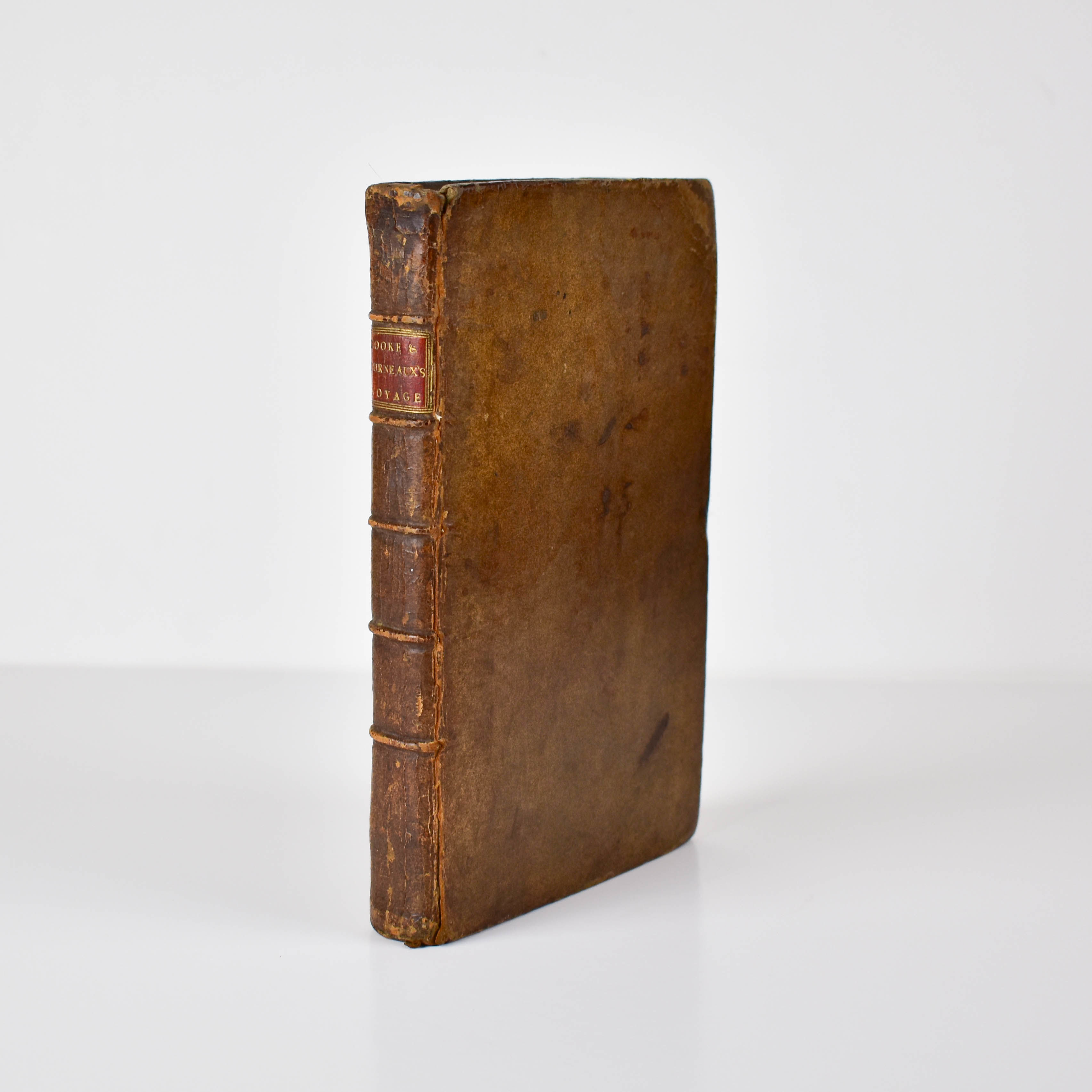 A Journal of Captain Cook's Last Voyage to the Pacific Ocean, on Discovery: Performed in the Years 1776, 1777, 1778, 1779, and 1780 Illustrated with Cuts and Charts, shewing the Tracks of the Ships employed in this expedition. (photo 4)