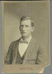 CABINET CARD OF MAN IN SUIT