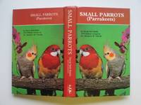 image of Small parrots (parakeets)