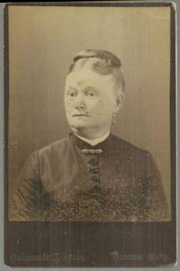 CABINET CARD OF LADY FROM KANSAS CITY