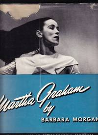 MARTHA GRAHAM. SIXTEEN DANCES IN PHOTOGRAPHS