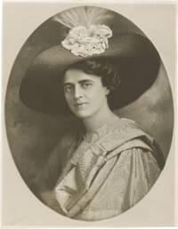 image of Original portrait photograph of Gertrude Elliott