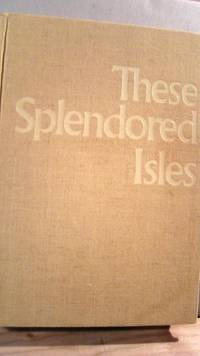 These Splendored Isles: The Scenic Beauty of Japan by  Magoichi KUSHIDA - First - 1970 - from Horizon Books and Biblio.co.uk