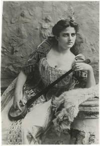 image of Original portrait photograph of Maxine Elliott, 1897, struck circa 1940
