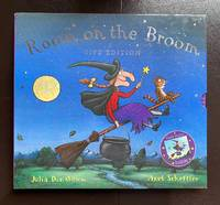 Room On The Broom : The Slipcased Gift Edition With The Publisher's Original Print