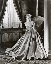 """image of Original Publicity Portrait of Peggy Cummins from """"If This Be Sin"""""""