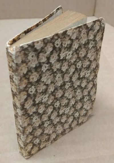Paris: Payot & Cie., n.d.. Softcover. 32mo; pp 123; Good condition softcover; brown/beige floral spi...