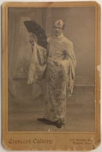 image of [Cabinet card with photo of an actor in Japanese costume]