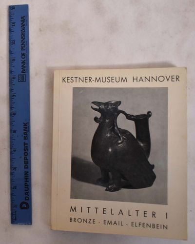 Hannover, Germany: Kestner-Museum Hannover, 1966. Softcover. VG. cover corners rubbed. covers tanned...