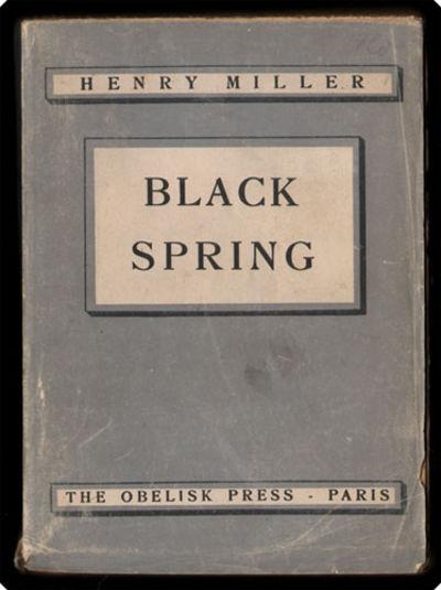 Paris: The Obelisk Press, 1945. 8vo (19.2 cm, 7.56