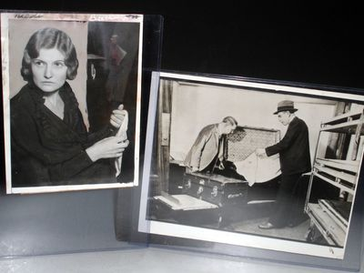 Wire Photo of Winnie Ruth Judd measuring approximately 6