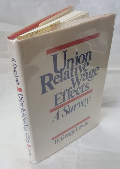 Chicago, IL: University of Chicago Press, 1986. First Edition. Hardcover. Octavo; G+/VG-; White spin...
