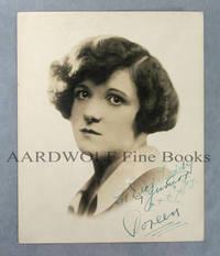 Signed Photograph, Vaudeville Magician/ Comedienne Doreen Palmer
