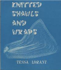 Knitted Shawls and Wraps (Heritage of knitting series)