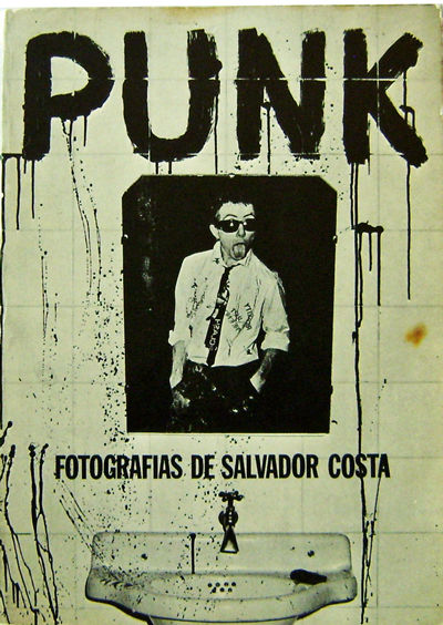 Barcelona: Producciones Editorales, 1977. First edition. Paperback. Very Good. 4to. 96 pp. Text in E...