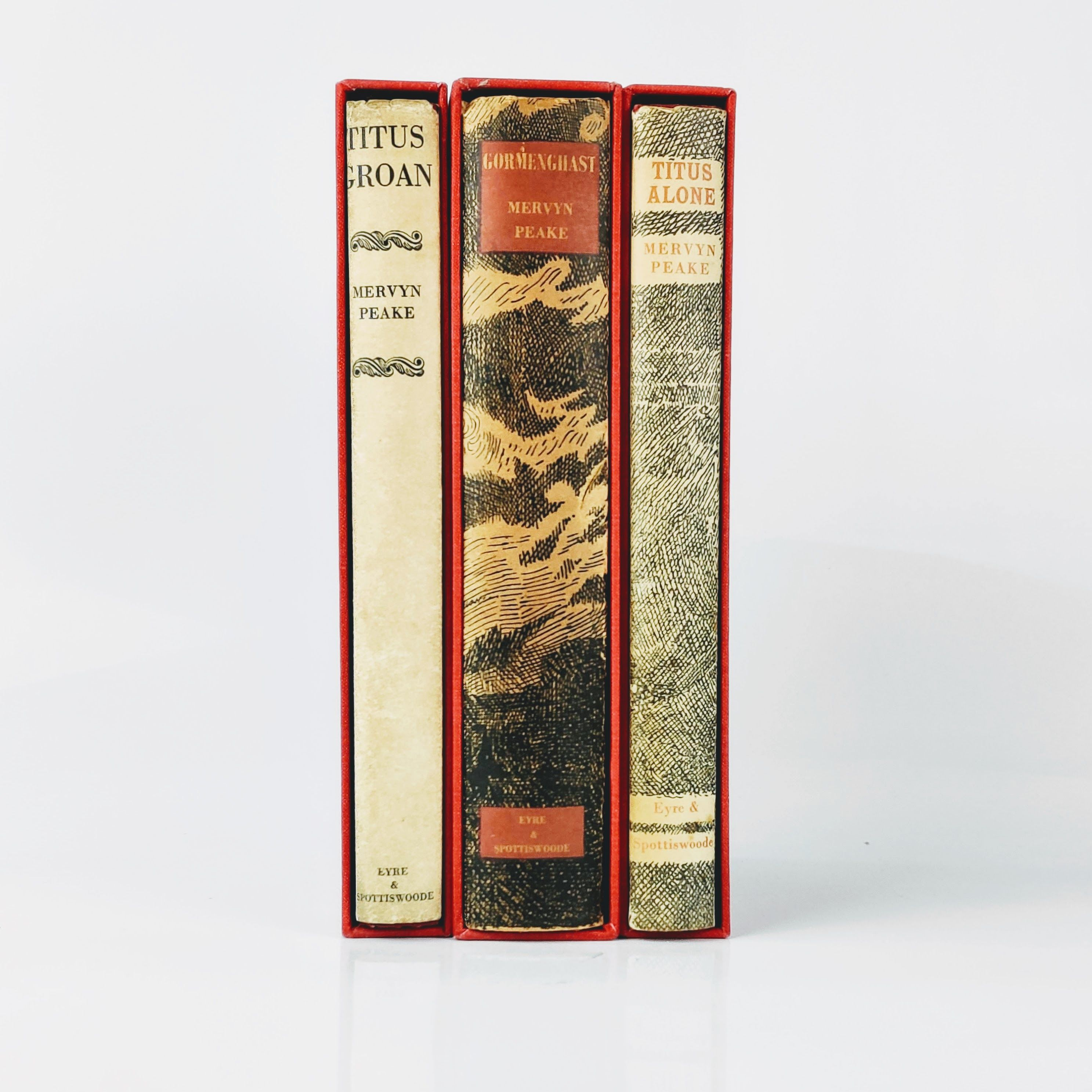 The Gormenghast Trilogy: Titus Groan, Gormenghast and Titus Alone (photo 2)
