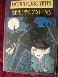 She Fell Among Thieves (Classic Thrillers S.)
