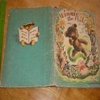 WINNIE THE-POOH w/ unusual illustration by Paula Pine 1946