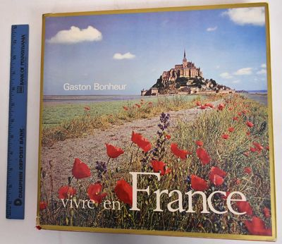 Paris: Editions Sun, 1971. Hardcover. Good+/Good+ (heavy wear to bottom of spine with red cloth miss...
