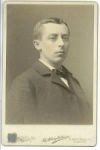 image of L.M. MARTIN NEW YORK REPRESENTATIVE OF ONEIDA 1898 CABINET PHOTO