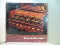 Tasteninstrumente des Museums. Kielklaviere, Clavichorde, Hammerklaviere (originalverschweißtes...