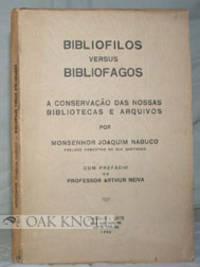BIBLIFILOS VERSUS BIBLIOFAGOS