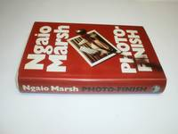 Photo-Finish. by MARSH (Ngaio) - First Edition - 1980 - from Robert Temple Booksellers (SKU: KRT113572)