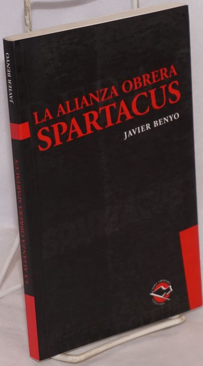 Buenos Aires: Libros de Anarres, 2005. Paperback. 214p., very good in french-fold wraps. Text in Spa...