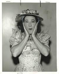image of Original photo of Minnie Pearl, circa 1965