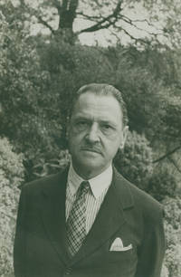 Portrait photograph of William Somerset Maugham