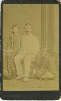 Soerabaya, Java carte de visite with father and daughter