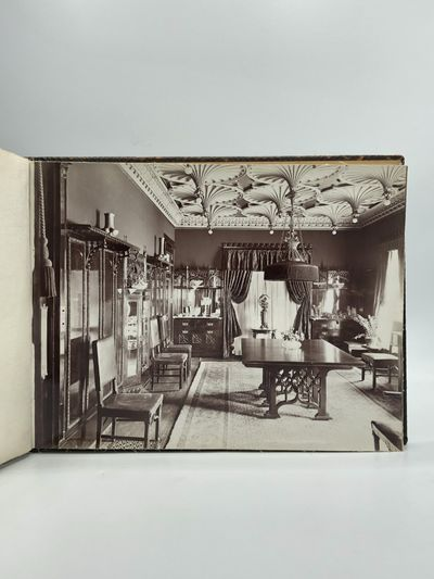BESPOKE PHOTO ALBUM OF A CHICAGO HOME...