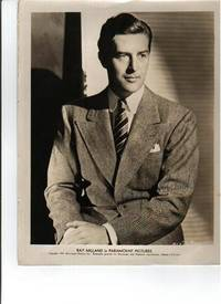 PHOTOGRAPH SIGNED BY RAY MILLAND