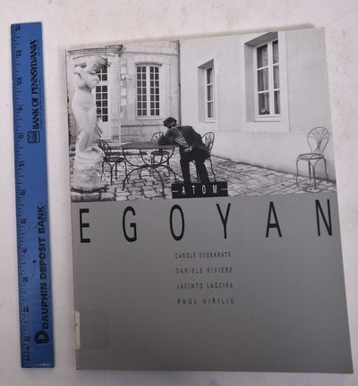 Paris: Editions Dis Voir, 1993. Paperback. VG- ex-museum library copy with call number sticker, barc...