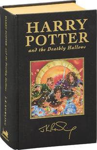 image of Harry Potter and the Deathly Hallows (First Deluxe Edition)