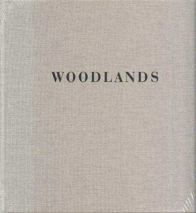 Steidl. New. 2017. Hardcover. 9783958291782 . Still in publisher's shrinkwrap. In Woodlands Mat Henn...