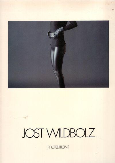 Schaffhausen : Bei Verlag Photographie, 1981. First Edition. Paperback. Very good. Large format glos...