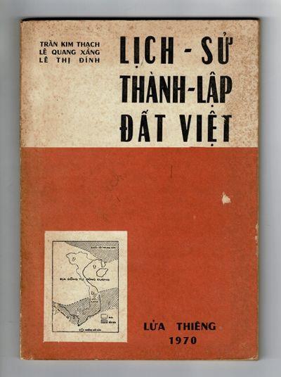 : Lu'a-Thiêng, 1970. Slim 8vo, pp. 127; maps, illustrations throughout; original orange and white...