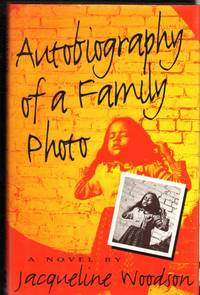 Autobiography of a Family Photo : A Novel