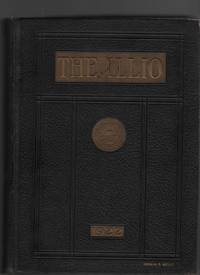 The Twenty-Two Illio - 1922 College Yearbook for the University of Illinois