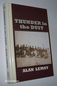 THUNDER IN THE DUST (Large Print Edition)