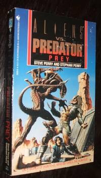 Aliens Vs. Predator Prey by Randy Stradley; Chris Warner - Paperback - first thus - 1994 - from biblioboy (SKU: 94627)