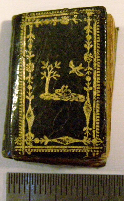 Paris: E. Jourdan, 1822. First edition. Hardcover. Very good. 19 x 27 mm. (about ¾' by 1